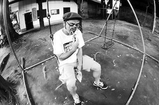 artistphoto_light